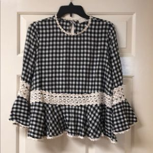EverLeigh Black and cream check top size small.